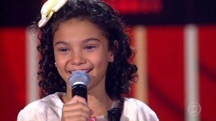 Luna Mattos canta 'A Lenda'