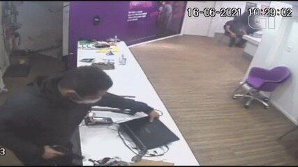 Três criminosos invadiram e assaltaram loja de telefonia em Registro, SP