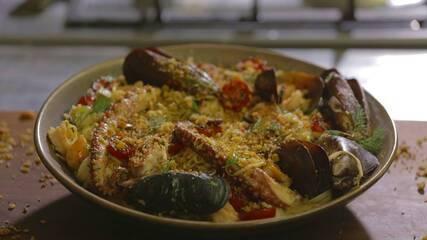 Espaguete caseiro com frutos do mar