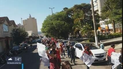 Cidades do Sul de MG têm manifestações contra o presidente Jair Bolsonaro