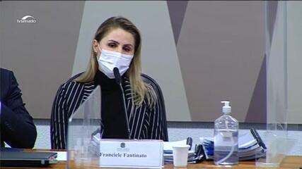 Francieli fala em politização da vacina por meio do 'líder da nação'