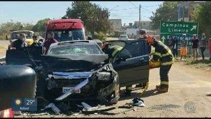 Motorista embriagado bate carro de frente com caminhão e 4 ficam feridos em Campinas