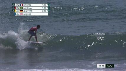 Melhores Momentos: Gabriel Medina vence quinta bateria do Surfe