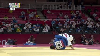 Daniel Cargnin bate o número 1 do mundo e avança para a semifinal em Tóquio