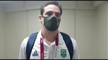 Guilherme Gatofo, médico da CBJ, explica a lesão de Suelen ao repórter Guilherme Costa