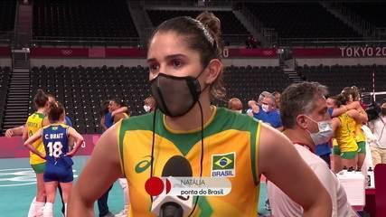 """Com a prata, Natalia se emociona ao falar da trajetória: """"Poucas pessoas acreditavam nesse grupo. Chegar até aqui já é uma vitória"""""""