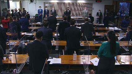 Tarcísio Meira: Senadores da CPI da Covid fazem um minuto de silêncio em homenagem ao ator
