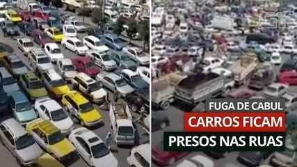 VÍDEO: Veículos ficam presos em congestionamento nas ruas de Cabul