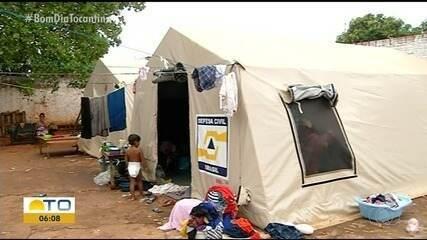 Prefeitura de Araguaína tem 10 dias para tirar famílias venezuelanas de local improvisado