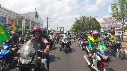 Motociclistas fazem ato a favor do presidente Jair Bolsonaro em Porto Velho