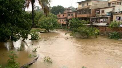 Mais de 400 pessoas tiveram que deixar suas casas por causa das fortes chuvas no Espírito Santo