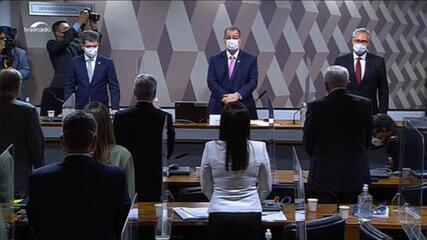 Senadores fazem minuto de silêncio antes do fim da CPI da Covid