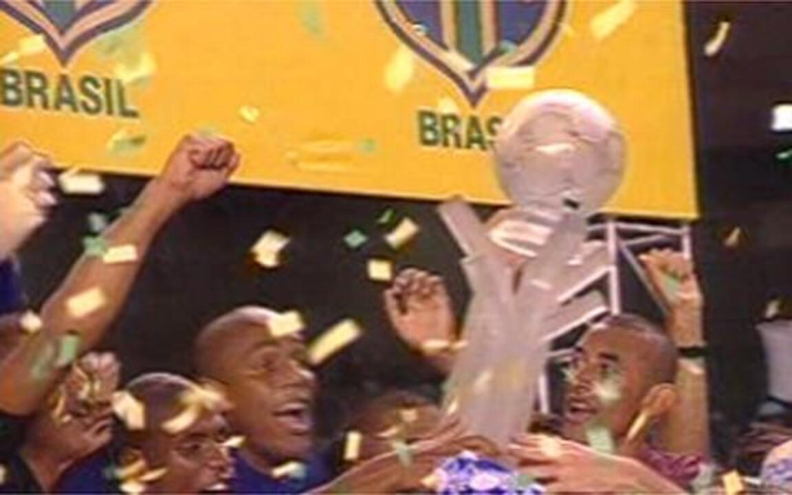 Em 2003, Cruzeiro é campeão da Copa do Brasil
