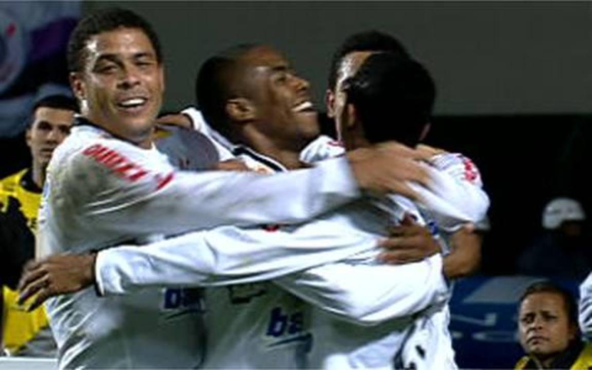 Os gols de Corinthians 2 x 0 Internacional pelas finais da Copa do Brasil 2009