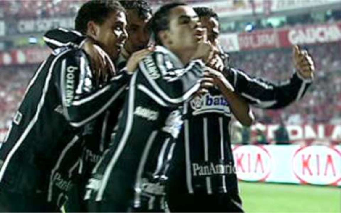 Os gols de Internacional 2 x 2 Corinthians pela final da Copa do Brasil 2009