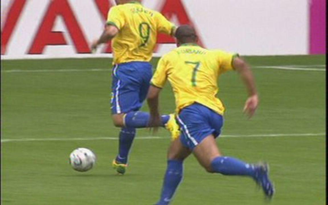 Brasil vence Gana por 3 a 0 pelas oitavas de final da Copa do Mundo de 2006