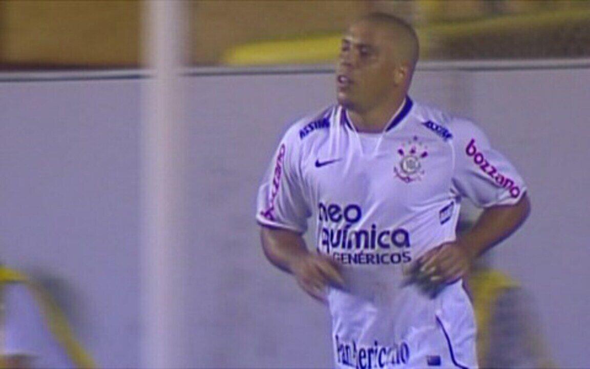 Com boa atuação de Ronaldo, Corinthians vence o Santo André por 2 a 0