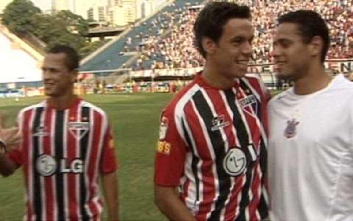 Em 2005, São Paulo goleia o Corinthians pelo Campeonato Brasileiro