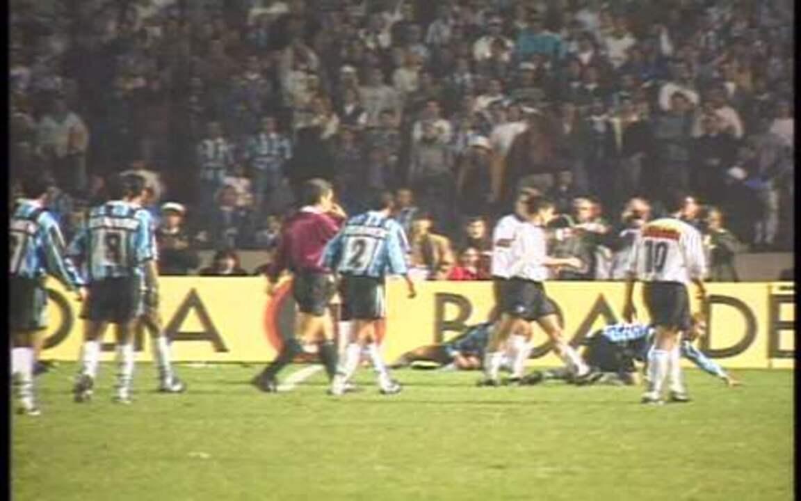Em 1995, Corinthians vence o Grêmio no Olímpico e se sagra campeão da Copa do Brasil