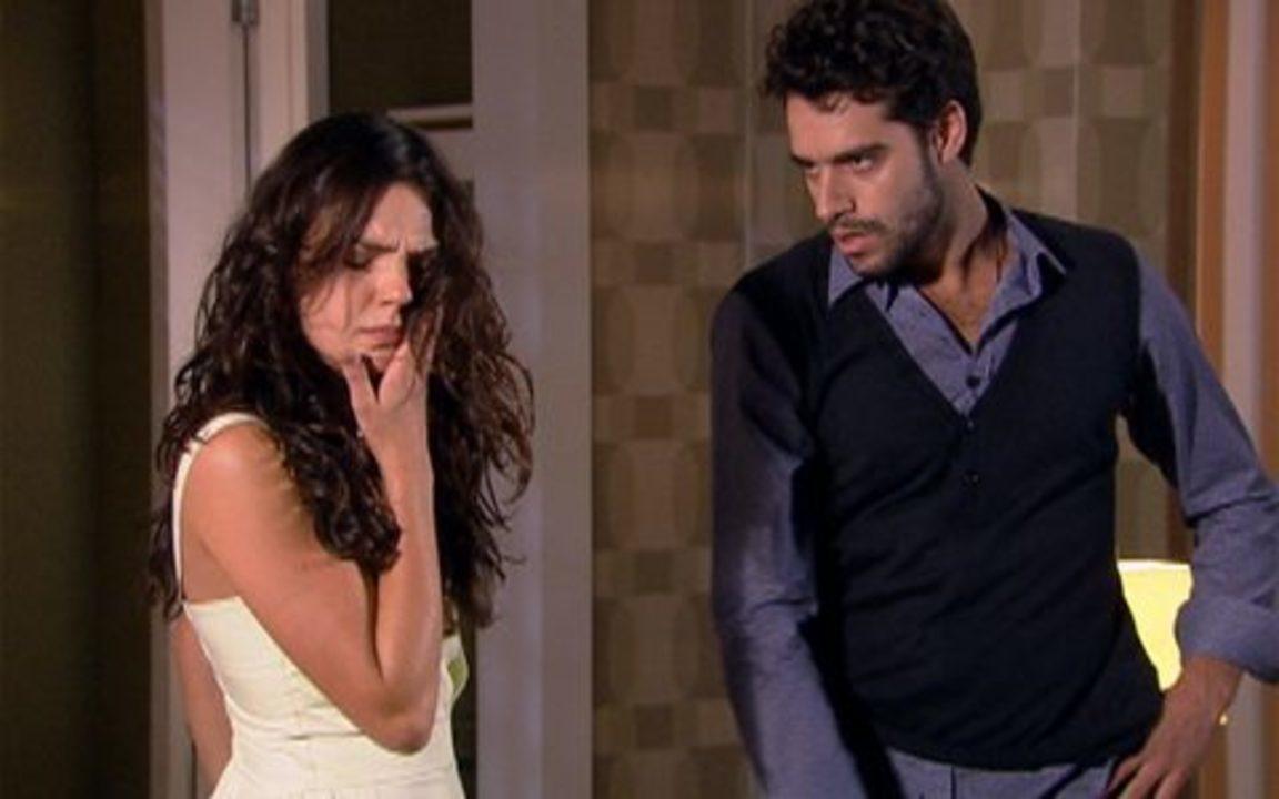 Ti-ti-ti - capítulo de sábado, dia 30/10/2010, na íntegra - Marcela encontra Renato no hotel e ele lhe dá um tapa no rosto
