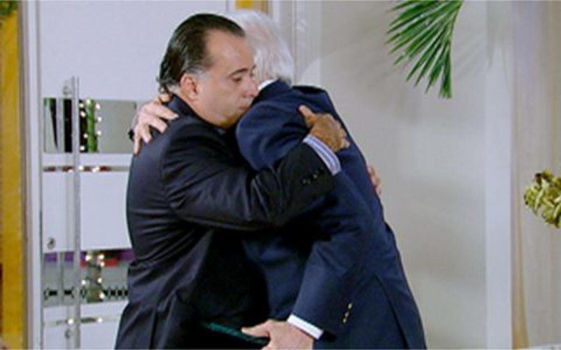 Passione - capítulo de sexta feira, dia 24/12/2010, na íntegra - Olavo e Totó fazem as pazes