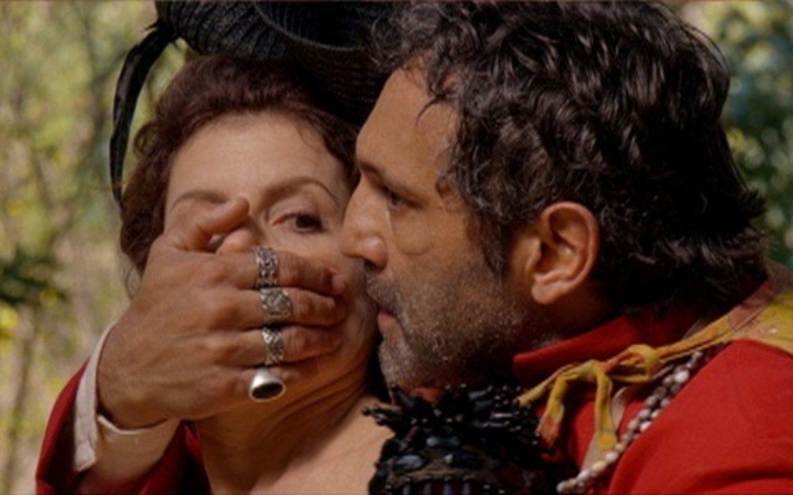 Capítulo de 09/08/2011 - Herculano prende Úrsula na mata. Lilica consegue escapar da casa de Benvinda