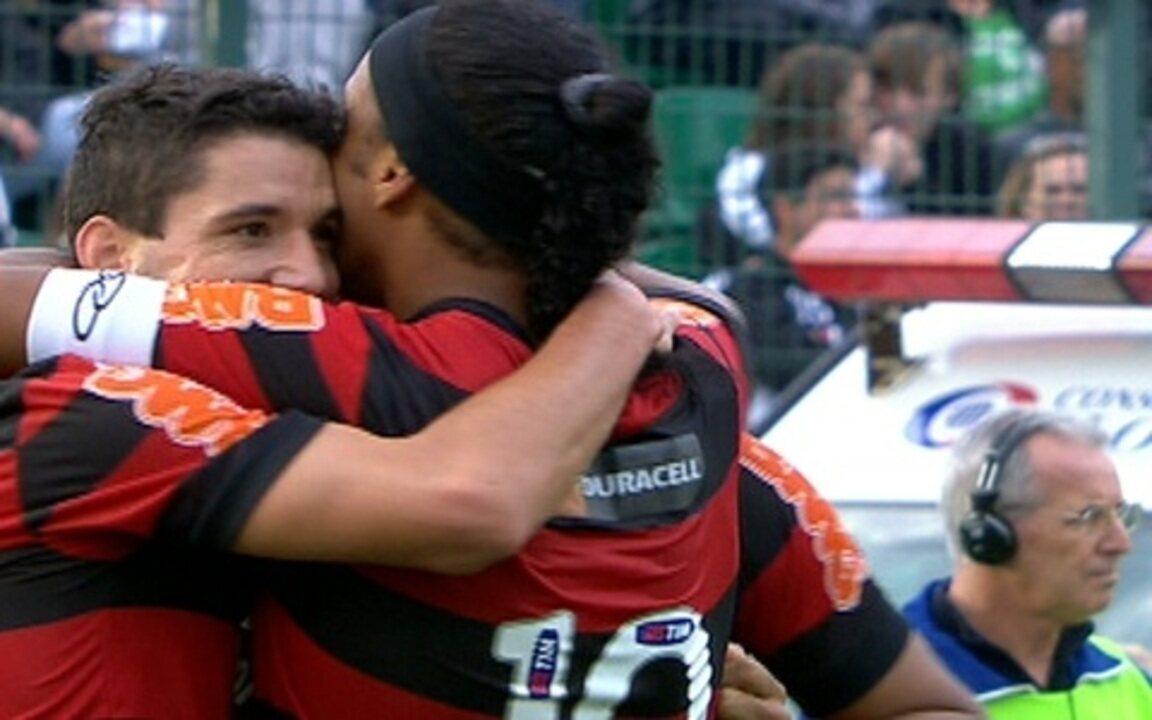 Os gols de Figueirense 2 x 2 Flamengo pela 16ª rodada do Brasileirão 2011