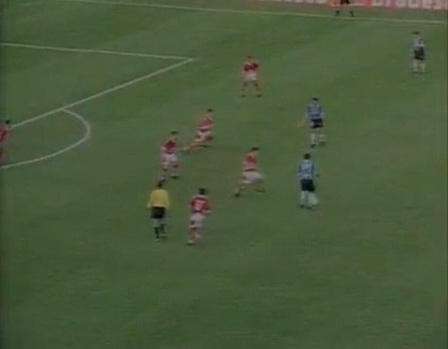 Em 1999, Grêmio vence o Internacional por 1 a 0 e conquista o Campeonato Gaúcho