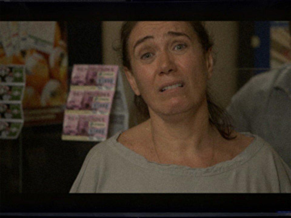 Fina Estampa - Capítulo de sábado, 08/10/2011, na íntegra - Griselda não tem como provar que ganhou na loteria
