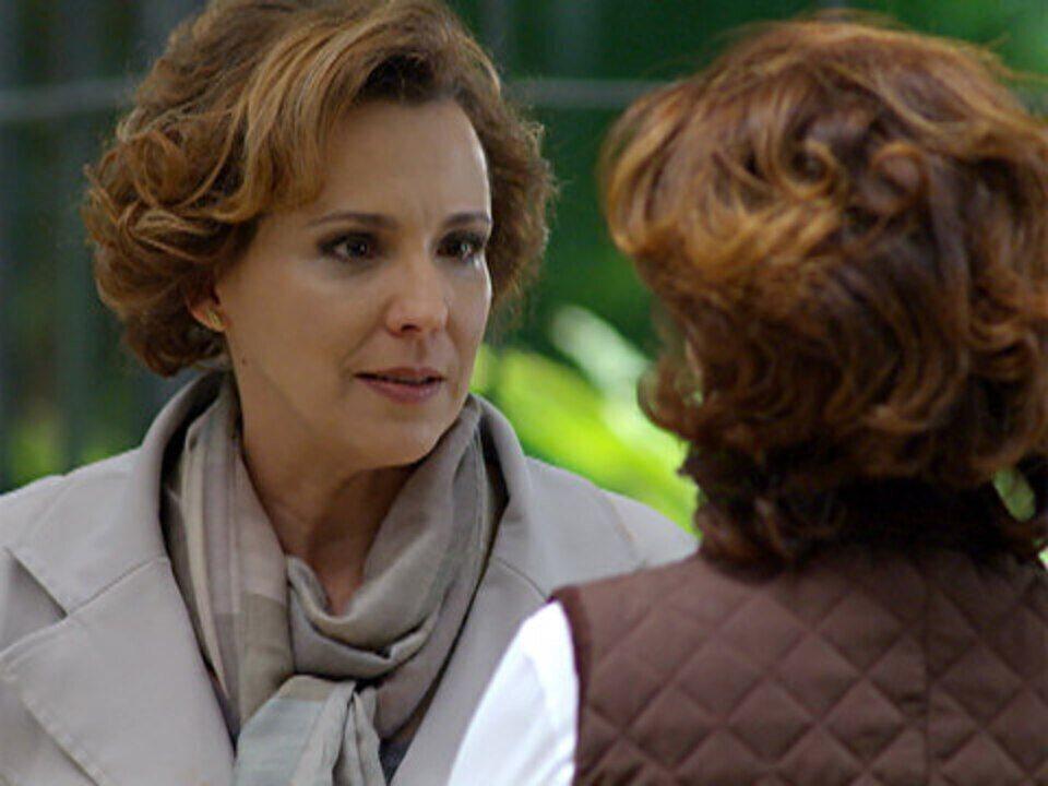 A vida da gente - capítulo de terça feira, dia 18/10/2011, na íntegra - Eva fica indignada com a frieza de Vitória em relação a Ana