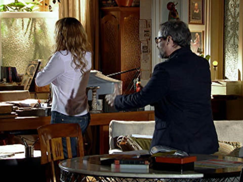A vida da Gente - capítulo de quinta-feira, dia 03/11/2011, na íntegra - Lourenço aceita a proposta milionária de Jonas, e Celina pede o divórcio