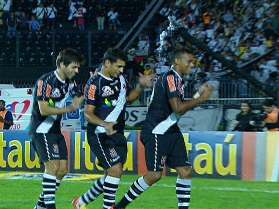 Vasco vence Avaí e rebaixa adversário em 2011