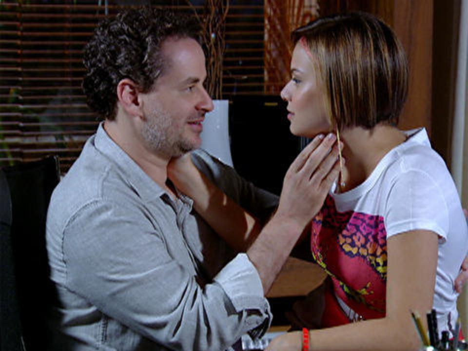 Fina Estampa - Capítulo de Quinta-feira, 29/12/2011, na íntegra - Paulo pede Vanessa em casamento