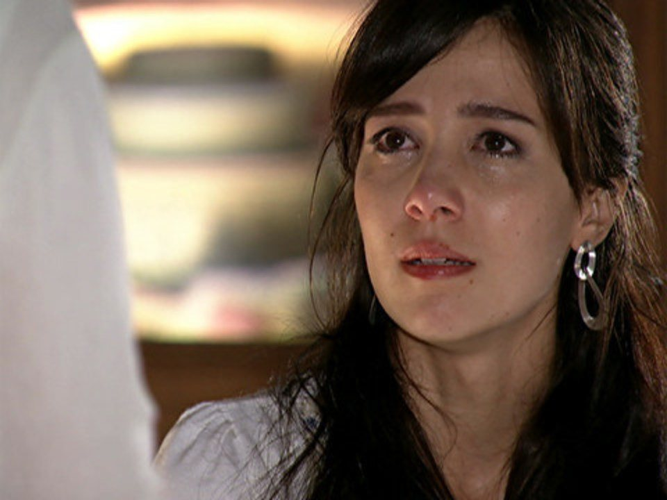 A Vida da Gente - Capítulo de sexta-feira, 30/12/2011, na íntegra - Manu se recusa a falar com Ana