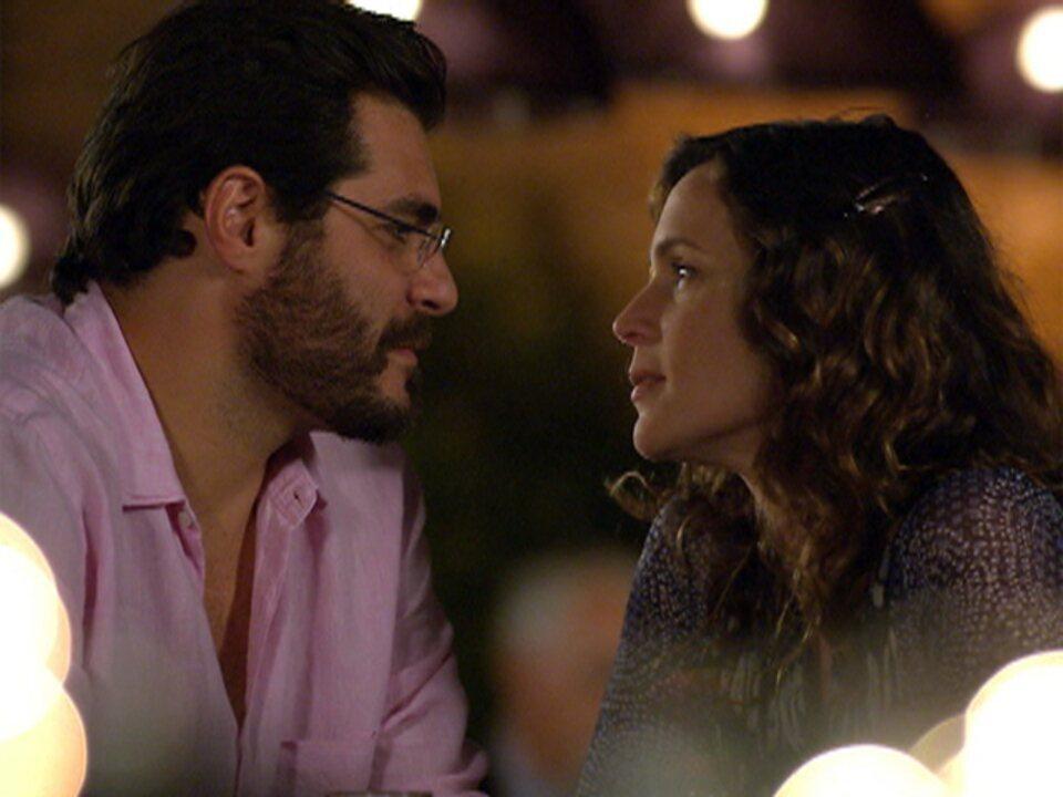 A Vida da Gente - Capítulo de quarta-feira, dia 18/01/2012, na íntegra - Lúcio e Laura se beijam