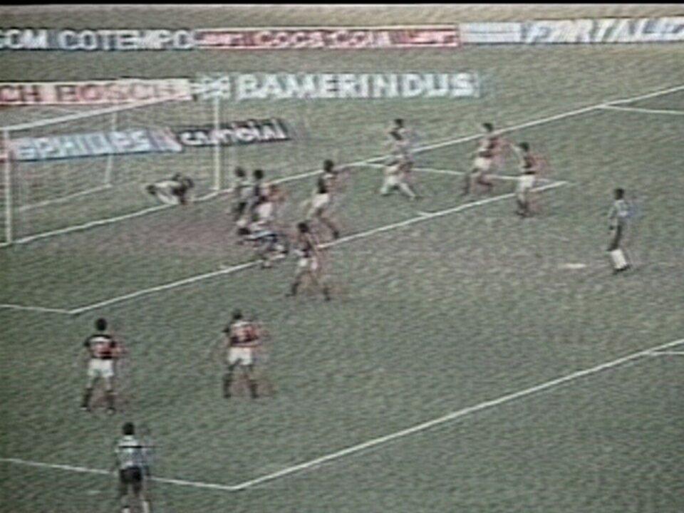 Em 1989, Grêmio vence o Flamengo por 6 a 1 pelas semis da Copa do Brasil