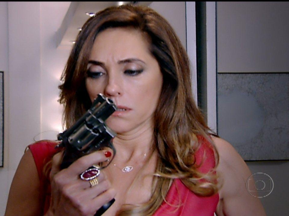 Fina Estampa - Capítulo de sexta-feira, dia 09/03/2012, na íntegra - Tereza Cristina ameaça matar René
