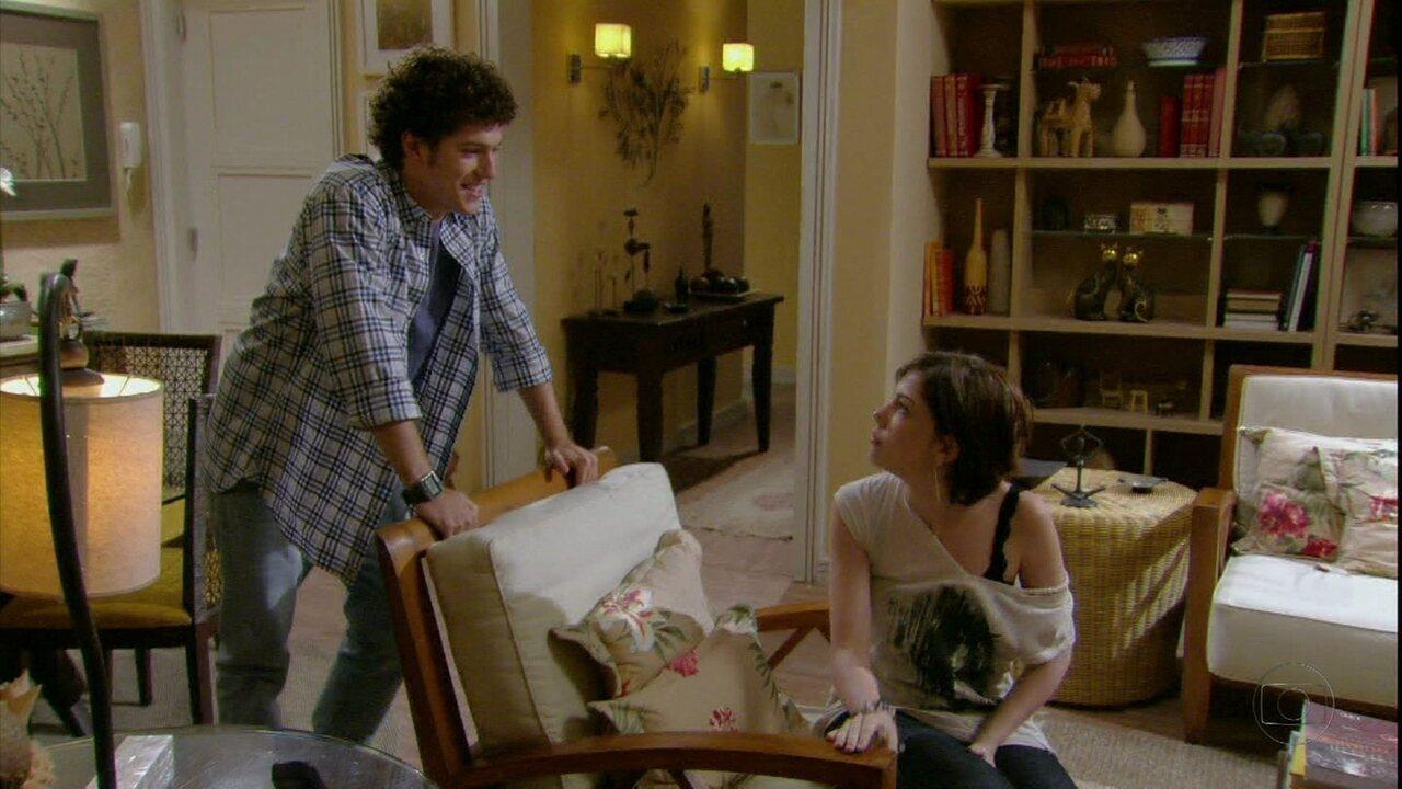 Malhação - Capítulo de segunda-feira, dia 12/03/2012, na íntegra - Gabriel sugere a Alexia que eles finjam uma briga