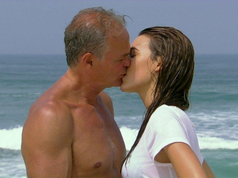 Malhação - Capítulo de terça-feira, dia 10/04/2012, na íntegra - Nelson e Natália se beijam