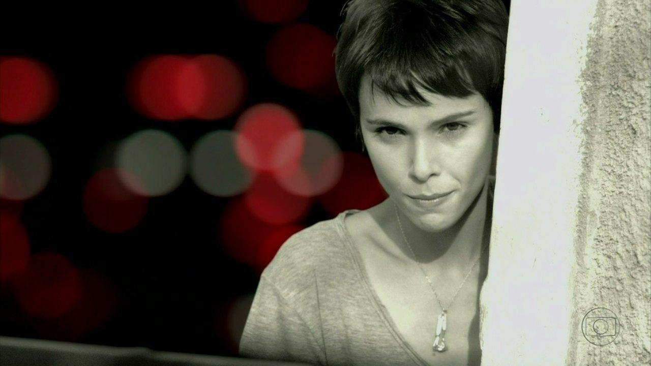 Avenida Brasil - Capítulo de quinta-feira, dia 26/04/2012, na íntegra - Nina encontra o suposto cativeiro de Carminha