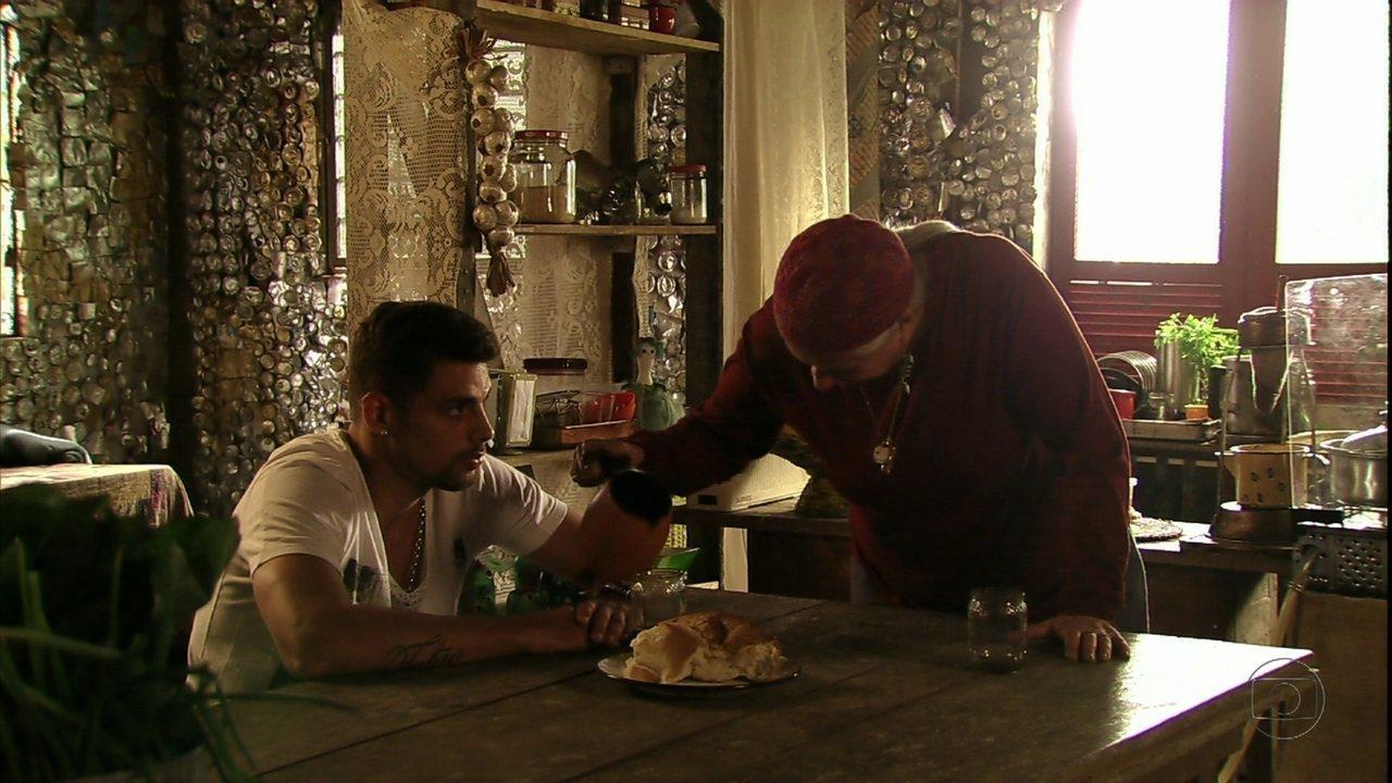 Avenida Brasil - Capítulo de sábado, dia 19/05/2012, na íntegra - Jorginho exige que Lucinda conte qual é o segredo de Nina