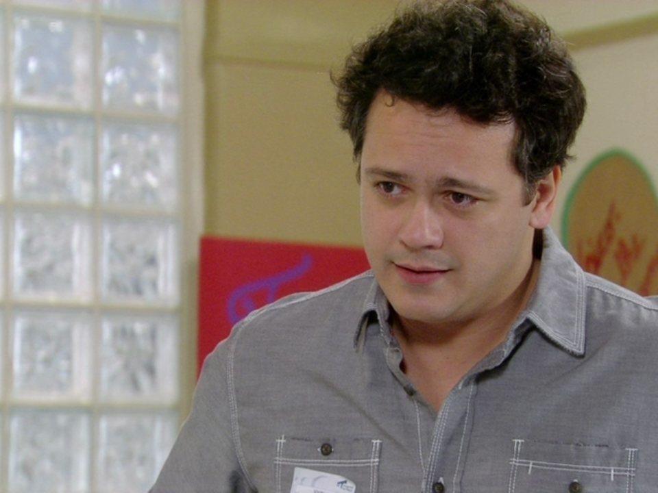 Malhação - Capítulo de segunda-feira, dia 11/06/2012, na íntegra - Fabiano pede para Kiko aceitar Gabriel como seu substituto