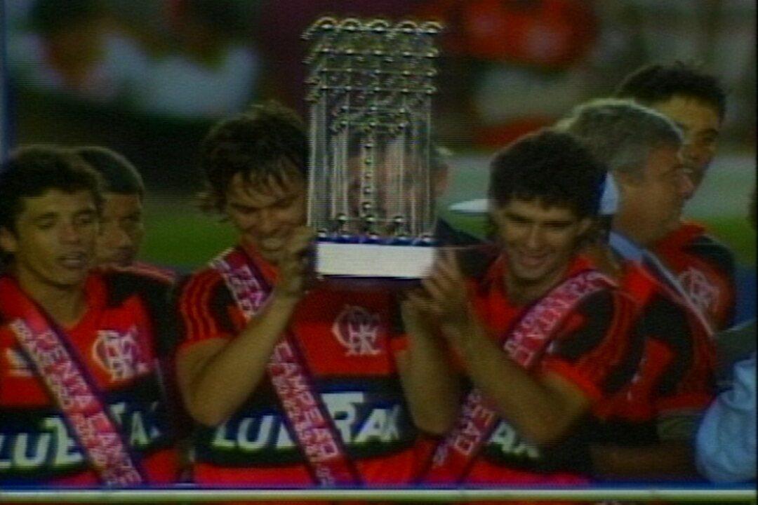 Em 1992, Flamengo empata com Botafogo e é campeão brasileiro
