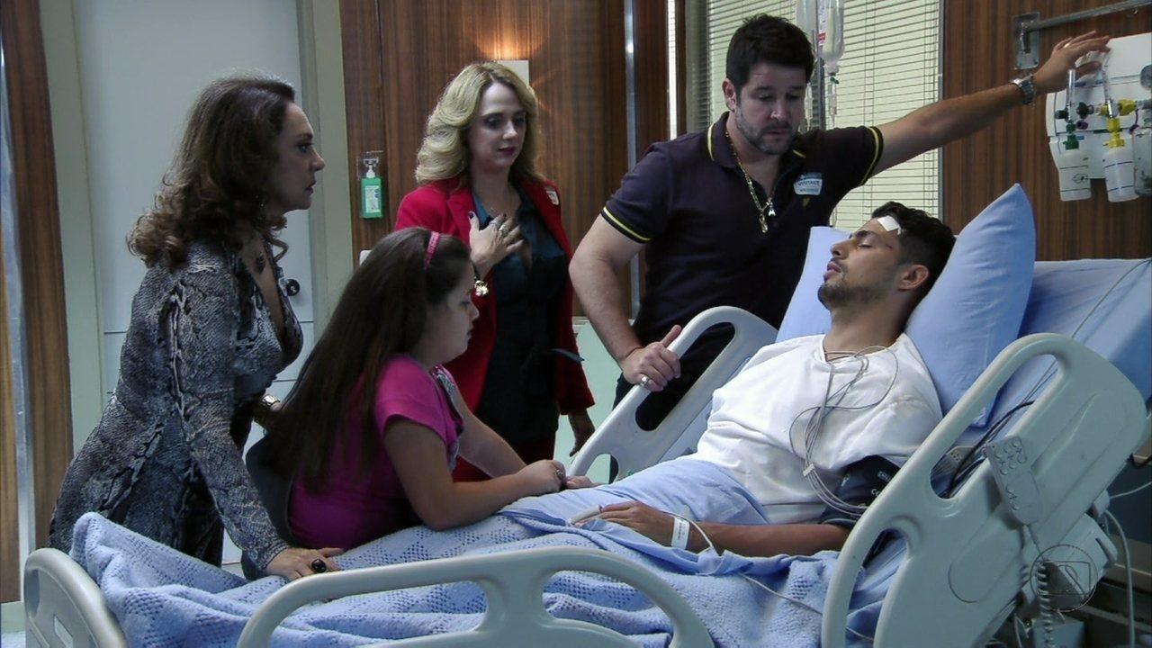 Avenida Brasil - capítulo de terça feira, dia 17/07/2012, na íntegra - No hospital, Jorginho chama por Rita e Tufão decide conhecê-la