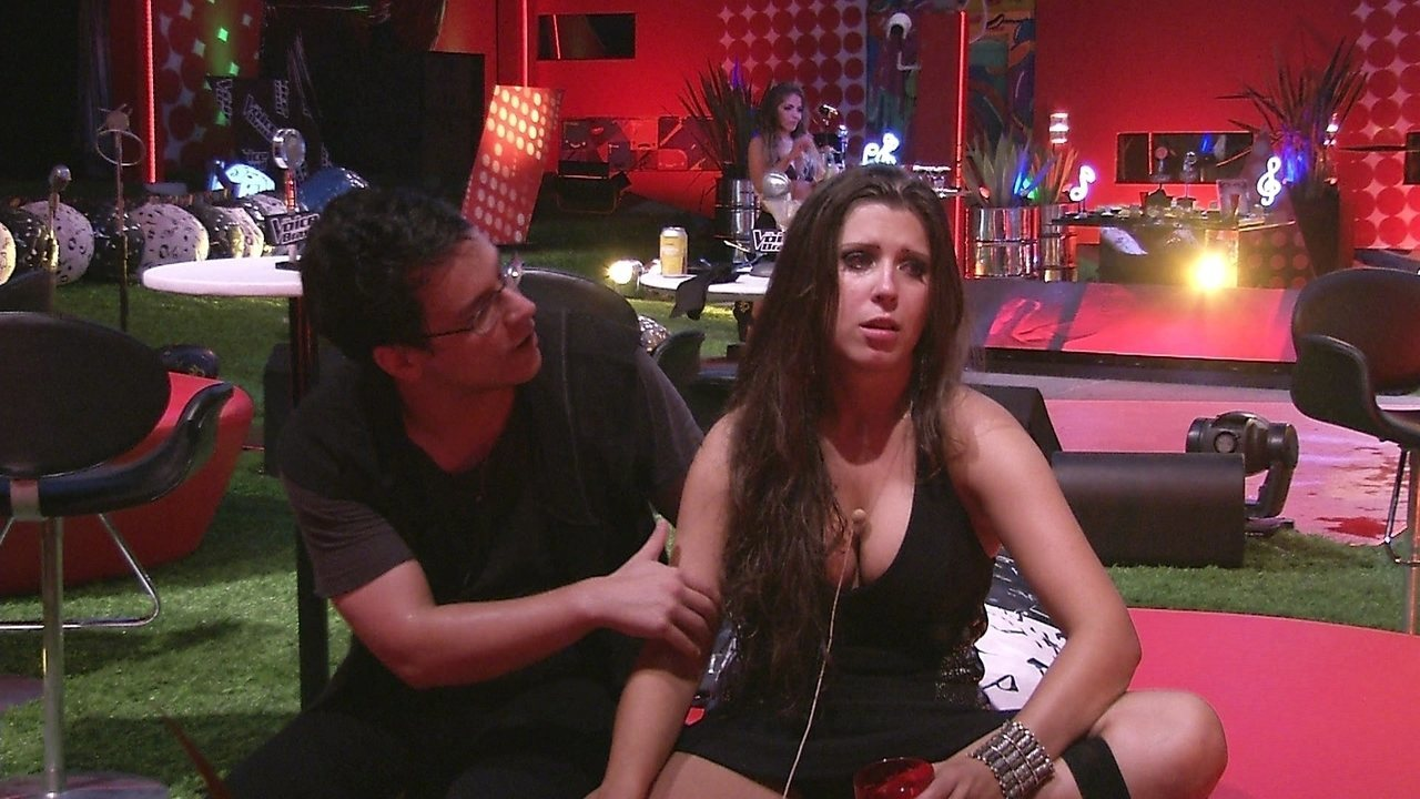 Andressa se irrita com a jukebox: 'Quero minha música com a Marien'