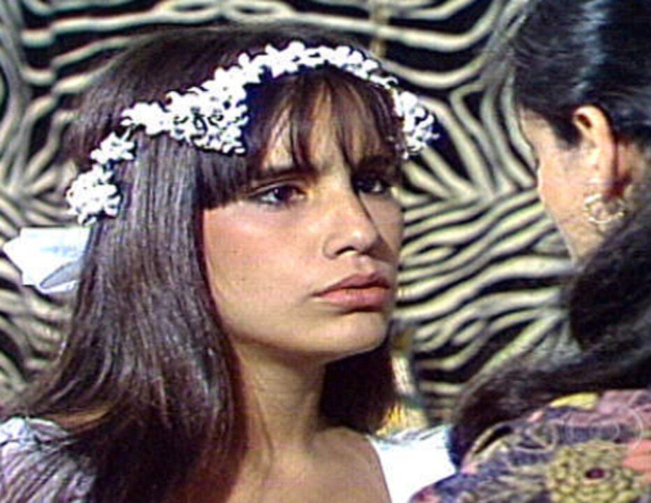Dancin' Days: Júlia revela à Marisa que é sua mãe