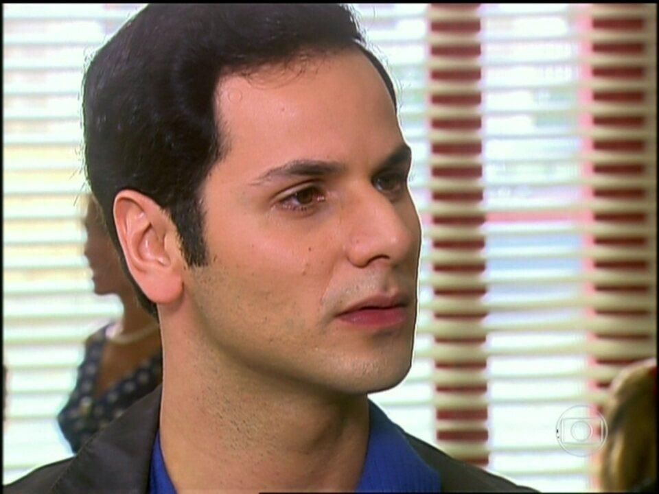O Profeta - Capítulo de sexta-feira, dia 22/03/2013, na íntegra - Marcos fala para Fabinho que ele deve procurar um médico. Fabinho fica impressionado com as palavras de Marcos