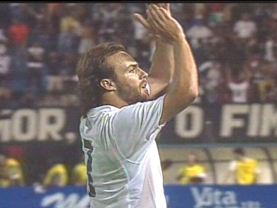 Em 2005, Corinthians vence o Cianorte-PR por 5 a 1 pela Copa do Brasil