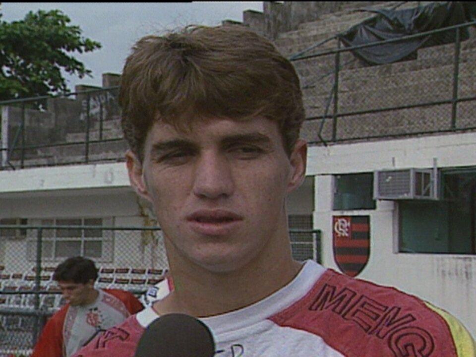 Em 1996, Flamengo vence o Internacional por 3 a 1 pela Copa do Brasil