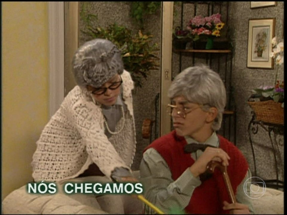 Reveja Sandy & Junior vestidos de velhinhos